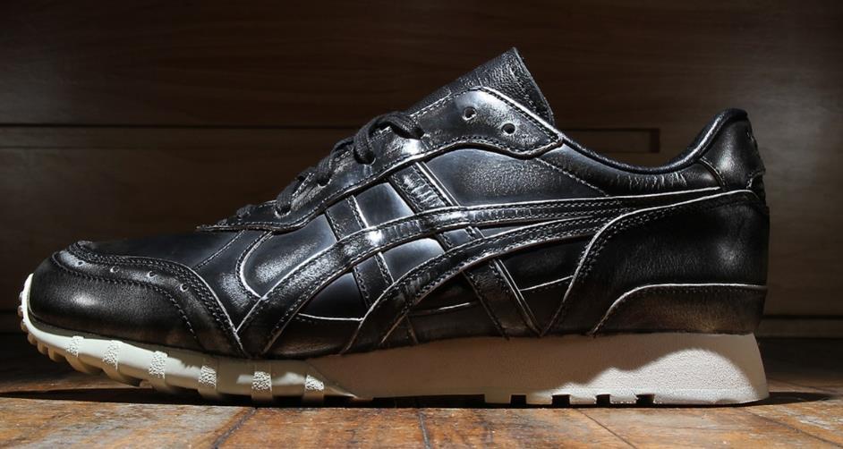 采用铮亮的高档皮革鞋身结构Onitsuka Tiger「Burnished Leather」