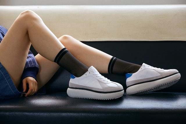 超有跃动感的厚鞋底应是女生的最爱?